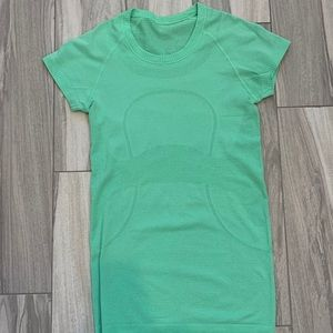 Lulu lemon green fitted shirt